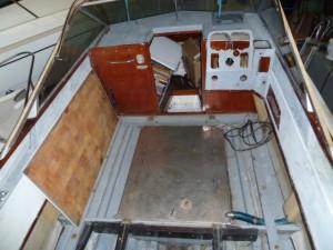 Cockpit à nu après repose du réservoir inox